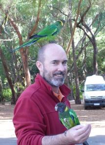 steve with parrots